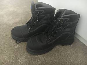BRAND NEW BLUNDSTONE WORK BOOTS SZ 6 Secret Harbour Rockingham Area Preview