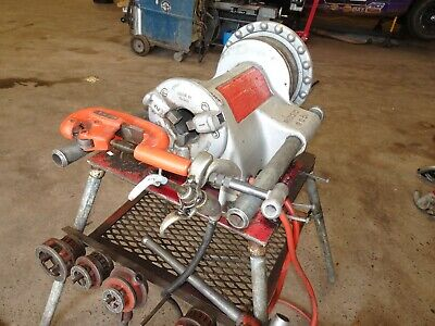 Ridgid 75602 57rpm 300 Compact Pipe Threading Machine With Four Leg Stand