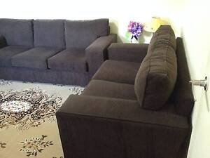 3 + 2 seater sofa - In excellent condition Sunshine North Brimbank Area Preview