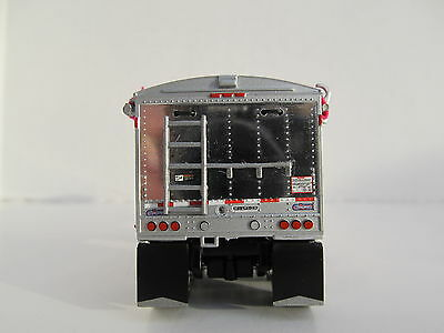 DCP 1/64 SCALE WILSON GRAIN TRAILER WIHTE WITH PINK TARP AND SILVER HOPPERS 2