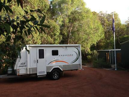 2011 Jayco Expanda Outback 14.44-4 Double Bed & Bunks