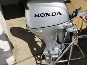 Honda outboard BF15 15 HP—only 10 hours on it