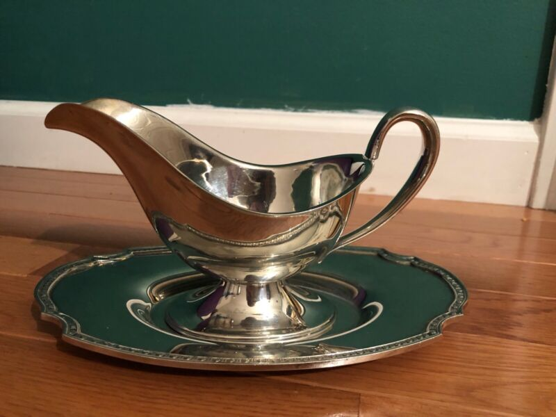 VINTAGE WILTON B2145 SILVER-PLATED SAUCE GRAVY BOAT WITH LINER