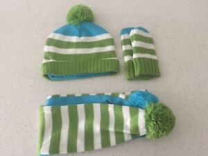 Brand New Hat, Scraf and Mitts
