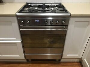 Classic Smeg Duel Fuel Freestanding Oven/Stove