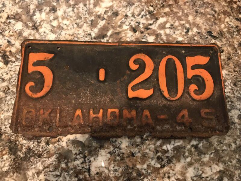 1945  Oklahoma License Plate 5 205