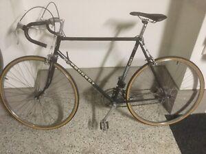 Velo Peugeot coupe du monde vintage. Vintage road bike