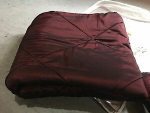 Silk queen burgundy comforter set