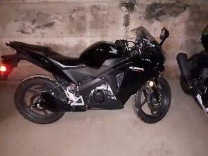 CBR 125 cc $1400 low km !