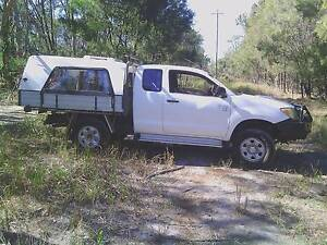 2005 Toyota Hilux Ute Mount Cotton Redland Area Preview