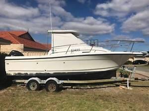 Bayliner Trophy 2102 Walkaround Boat