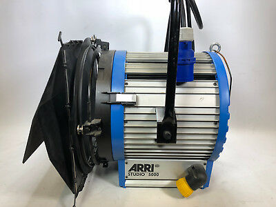 Arri studio 5000W Fresnel Light - Pole operated (2) Arri Studio