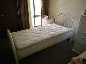 Single bed perfectly suited for young girl........... Cleveland Redland Area Preview