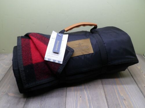 PENDLETON NYLON BACKED ROLL UP BLANKET 60 IN X 70 IN ROB ROY BLACK & RED NEW NWT