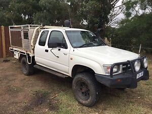 Toyota Hilux 1999 3.0L diesel 4x4 Sunbury Hume Area Preview