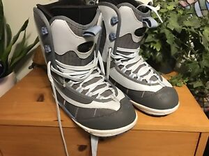 Ride snowboard boots size 6