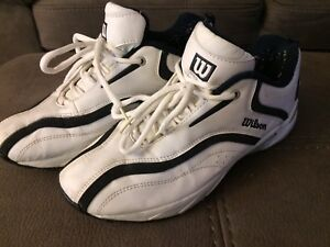 Wilson Size 9 Black and White Golf Shoes
