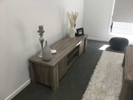 Wanted: Coffee table and matching tv cabinet