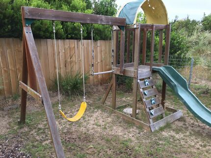 Swing set and climbing frame