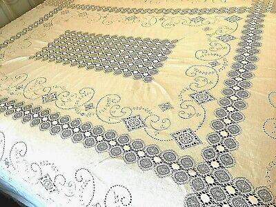 "Quaker Lace Table Cloth Cream Mandala Like Floral Vtg Cottage Core 64""x80"" K28"