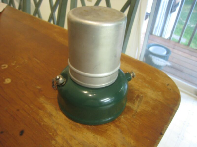 RARE TO FIND WWII ERA COLEMAN SINGLR BURNER CAMP STOVE MODEL 521 VERY NICE SEE