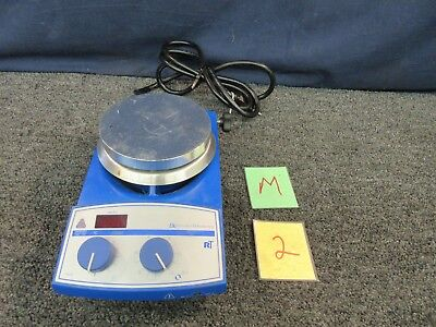 Laboratory Hot Plates Thermo (BARNSTEAD THERMOLYNE MAGNETIC STIRRER HEATER HOTPLATE LAB SP136325 THERMO USED )