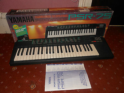 Yamaha poratone PSR 75 electronic keyboard