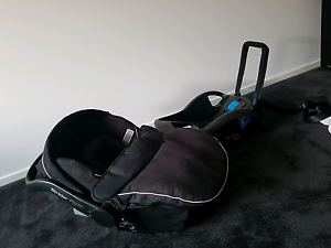 Steelcraft Strider Plus 3 wheels + Capsule, Bassinet + extras Clyde Casey Area Preview