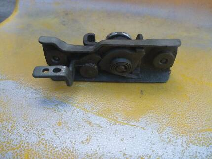VW KOMBI REAR ENGINE COMPARTMENT DOOR LOCK Rivervale Belmont Area Preview