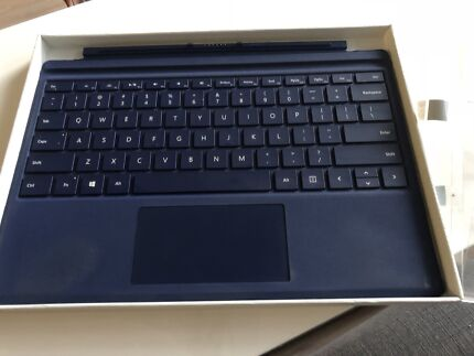 Surface Pro 4 Keyboard / Type Cover