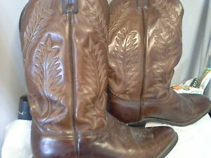 BROWN  SIZE 10 COWBOY BOOTS