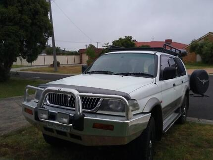 1998 Mitsubishi challenger 4x4 - excellent condition