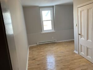 Large 2 Bedroom Plus Den UPTOWN!