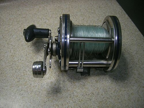 Vintage Olympic Dolphin 631-LW Fishing Reel-FREE USA Shipping!!!!!