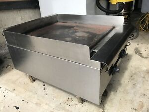Gas-Powered Flat Top Grill