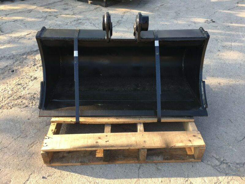 "New 36"" Excavator Ditch Cleaning Bucket For A Takeuchi Tb135"
