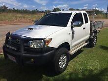 Toyota Hilux SR5 Extra cab Ute 4x4 tray back Darwin CBD Darwin City Preview