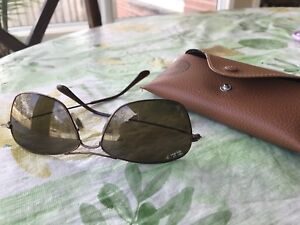 Ray Ban RB3388 polarized sun glasses like new
