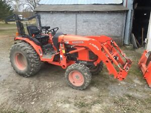 Kubota B3300SU with backhoe, snowblower and a bunch more