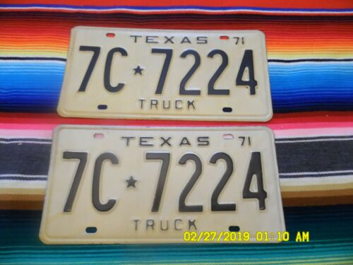 1971 TEXAS  TRUCK  LICENSE  PLATES  7C7224