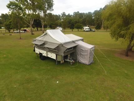 Swag off-road Hardfloor camper trailer voyager deluxe 2