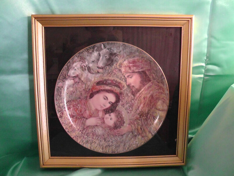 "Edna Hibel - ""The Nativity"" Christmas Plate for 1990 Limited Edition as Seen..."