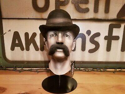 Mask display stand ()