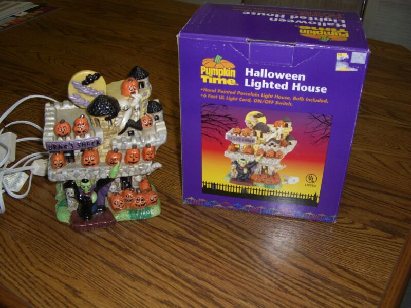 Halloween Lighted Porcelain House/Drac