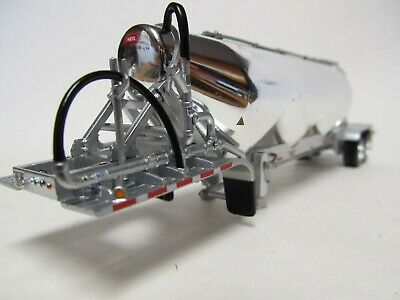 DCP FIRST GEAR 1/64 SCALE CHROME SILVER FRAME TANDEM AXLE HEIL PNEUMATIC TANKER