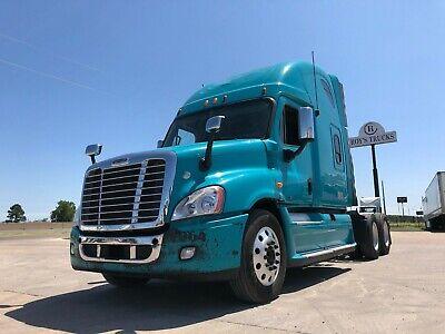 2012 Freightliner Cascadia Double Bunk Condo Sleeper (10081)
