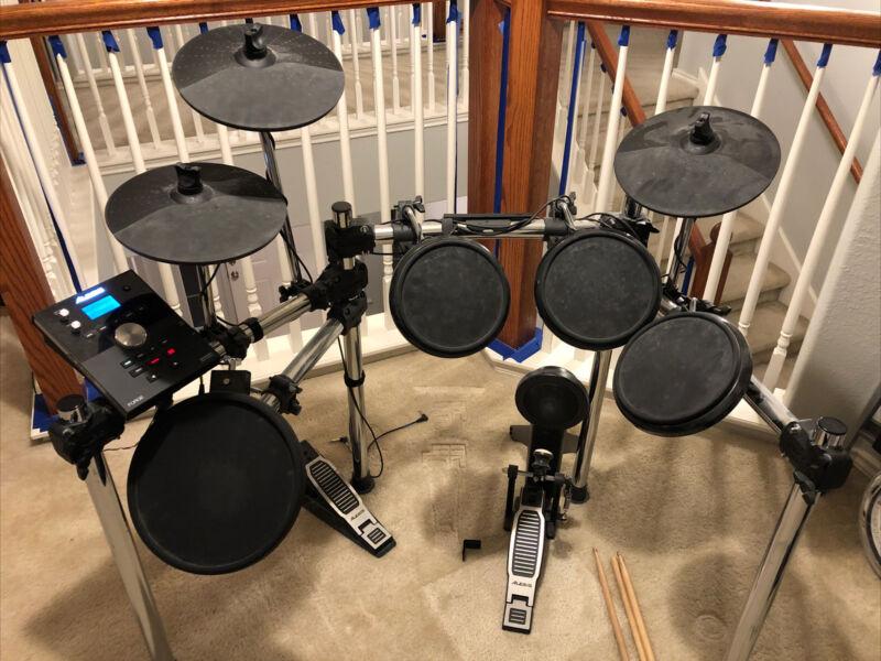 Alesis Forge Drum Kit With Speakers