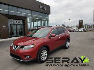 2015 Nissan Rogue SV, mags, toit panoramique, a/c, bluetooth