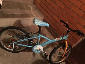 B'twin SRAM 5 speed  bicycle for girl Ringwood Maroondah Area Preview