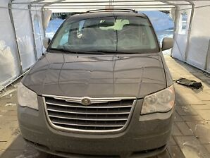 Chrysler Town And Country 2010 - 2 Écrans DVD